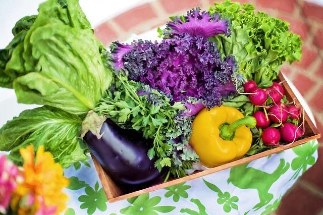 čerstvá zelenina v bedýnce