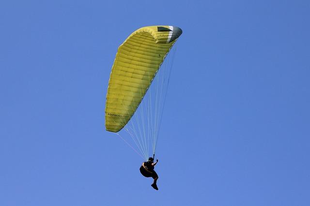 paragliding za jasného počasí