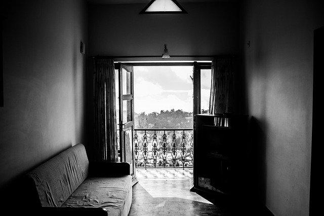 byt s balkonem