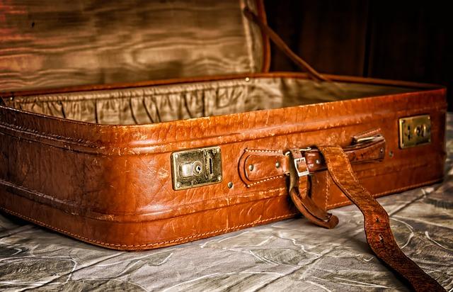 prázdný kufr