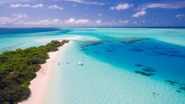 pláž ostrova