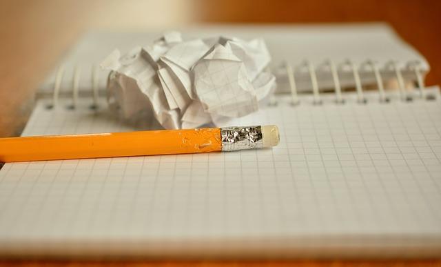 tužka s gumou, notes