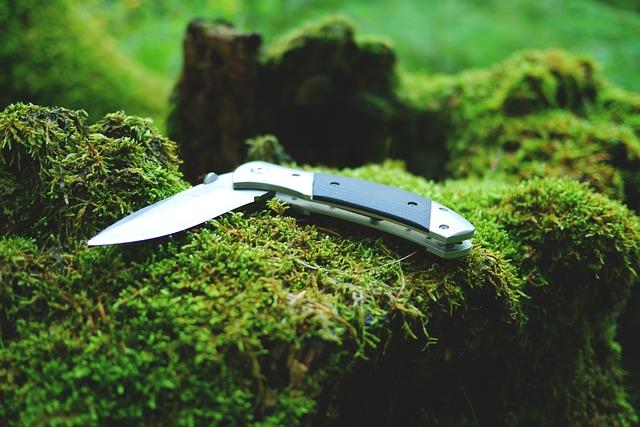 Zavírací lovecký nůž